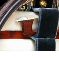 Bow tip cushions